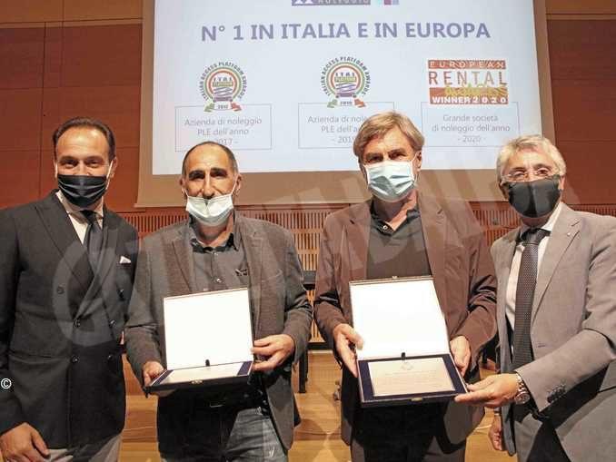 Dopo il premio internazionale Mollo noleggio premiata anche dall'Amministrazione comunale 2