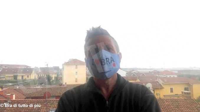 I love Bra, mascherina nata sul gruppo social cittadino