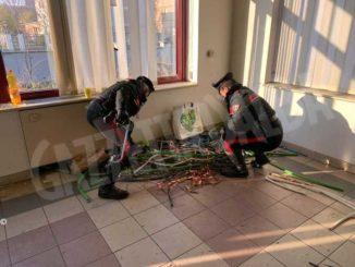 Tentano di rubare rame in uno stabilimento dismesso: arrestati due giovani