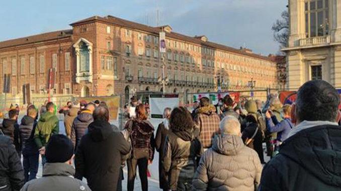 Covid: presidio in centro Torino, riaprire tutte le attività