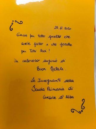 260 biglietti di Natale per i ricoverati di Verduno dai bambini della primaria di Ceresole d'Alba 1