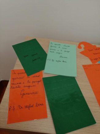 260 biglietti di Natale per i ricoverati di Verduno dai bambini della primaria di Ceresole d'Alba 15