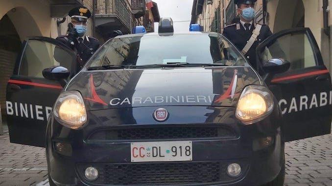 Truffavano l'Inps percependo il reddito di cittadinanza: denunciati dai Carabinieri