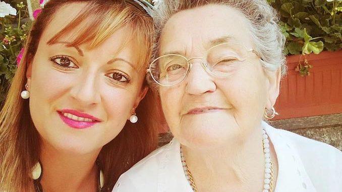 Bra piange Carlotta Cassinelli, mamma del presidente della Fidas Tommaso Allocco