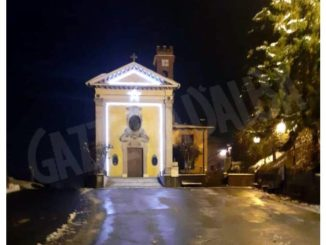 Corneliano: illuminata la facciata del santuario dell'Assunta di Castellero