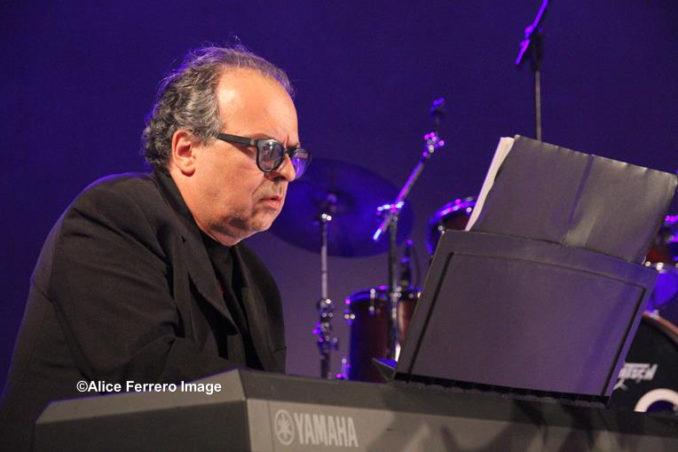 Italian Spirit un disco ambizioso per il duo jazz Marco Vezzoso e Alessandro Collina, che risuona sulle note di Vasco Rossi ed altri grandi della musica italiana, fino al Sol Levante 5