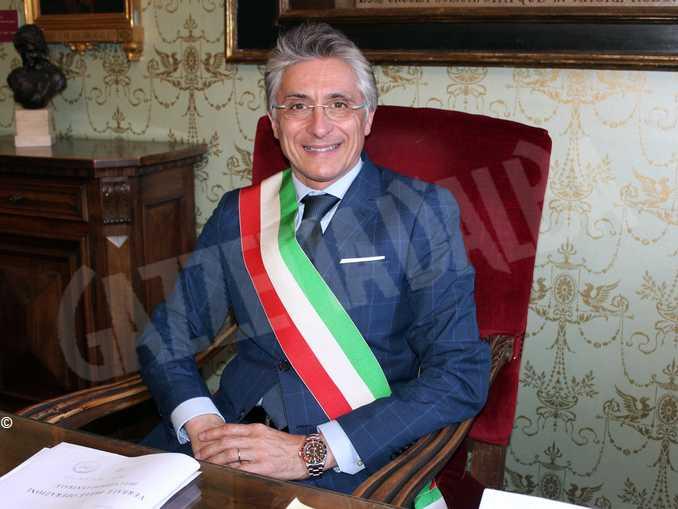 Il sindaco di Alba Carlo Bo