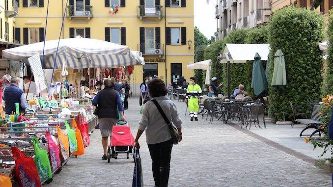 Alba: mercato straordinario di Natale, domenica 20 dicembre