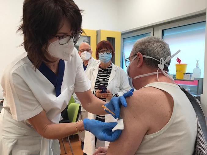 Primo vaccinato a Verduno