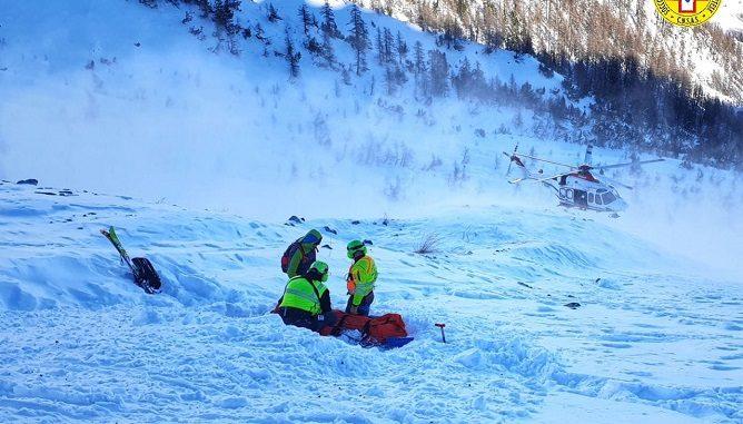 Bardonecchia: scialpinista travolto da una valanga tra il Passo della Gallina e la Punta delle Quattro Sorelle