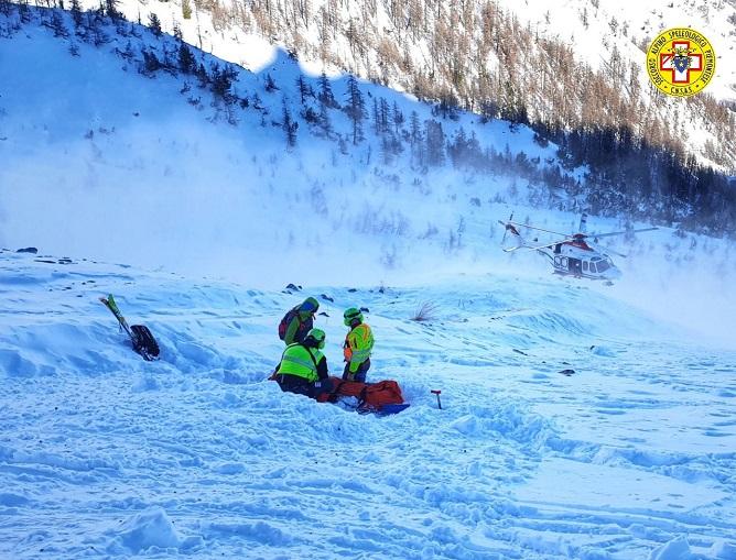 Scialpinista-valanga-Bardonecchia