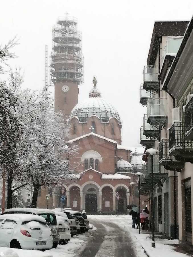 Le foto della prima nevicata stagionale