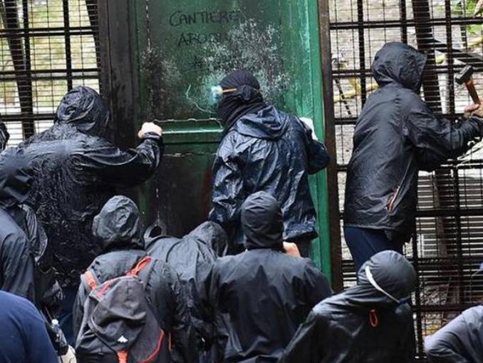 attacco attivisti No Tav Chiomonte