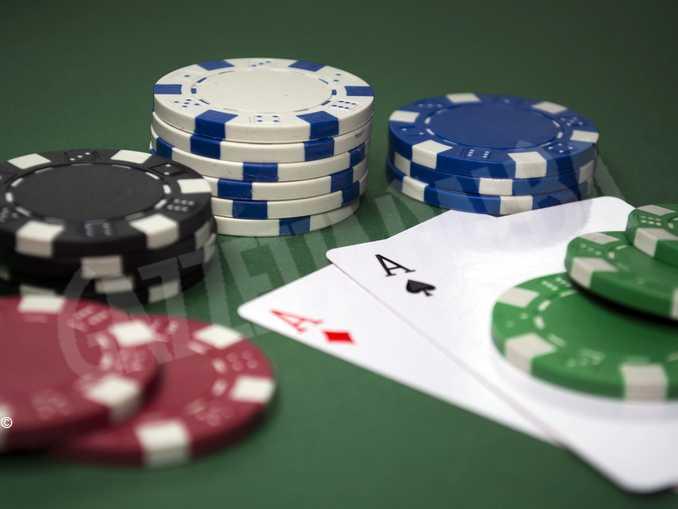 azzaro gioco poker