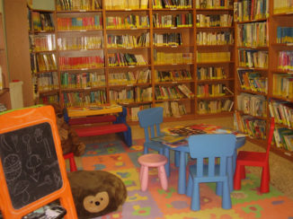 """""""Adotta un libro per Natale"""": al via l'iniziativa della biblioteca ceresolese"""