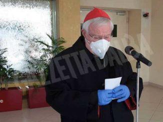 Il cardinale Bassetti, presidente Cei, esce dall'ospedale: «Sono stato nel deserto, ma con gli angeli»
