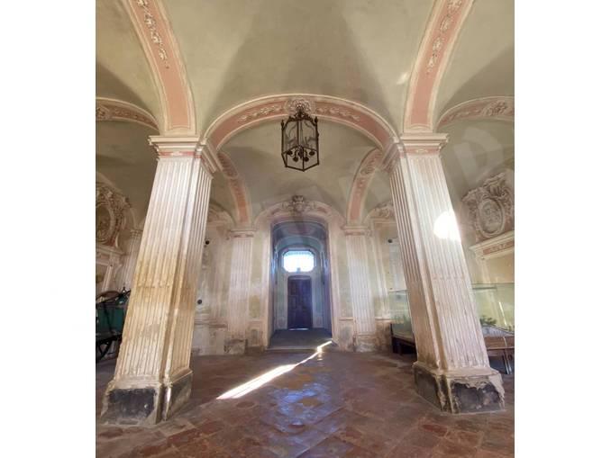 castello govone atrio