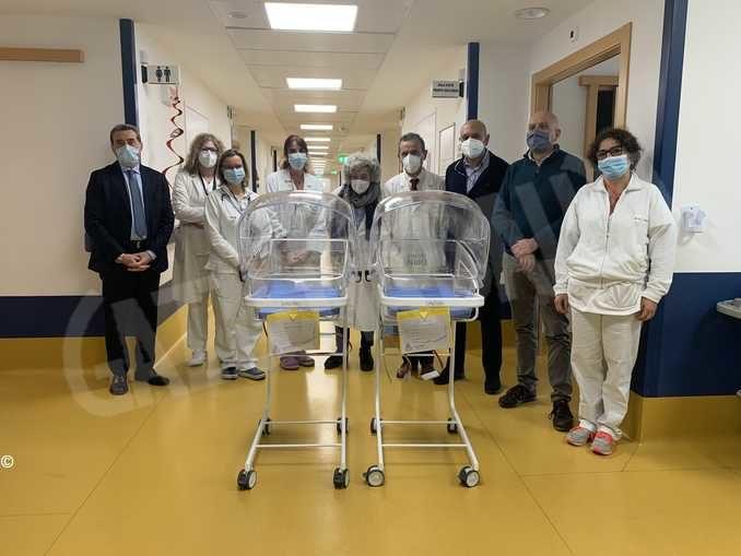 La fondazione Nuovo ospedale dona al Ferrero due culle riscaldanti