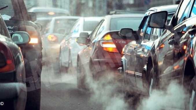 La Regione pensa a una deroga legata ai chilometri percorsi in città per le vetture più inquinanti