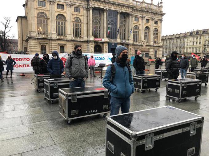 lavoratori e le lavoratrici dello spettacolo Torino