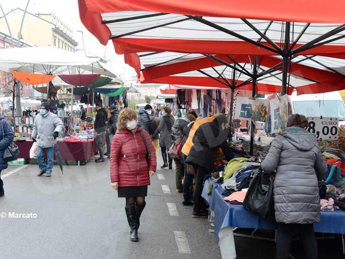 mercato corso italia 2