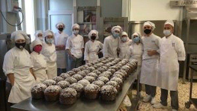 Bra: panettoni e dolci braidesi preparati dagli allievi del Cfp dei salesiani 1