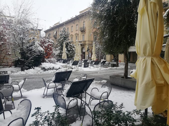 Alba (piazza Ferrero) di Davide Gallesio