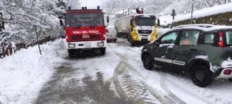 La neve blocca un camion in frazione Rutte a Bosia 3