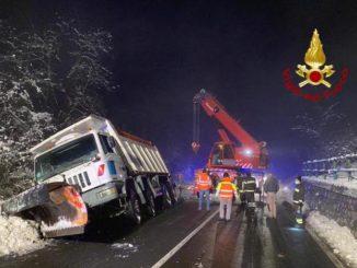 Autista stroncato da un malore alla guida sulla Torino-Savona