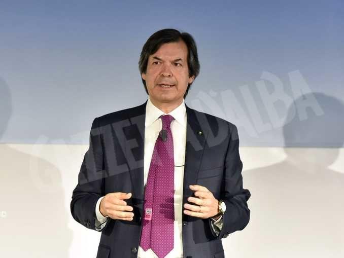 Banche: Intesa Sanpaolo procederà a 3.500 assunzioni a fronte di oltre 7.200 uscite