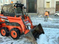 Tolta la spessa patina di ghiaccio nella zona pedonale di piazza San Paolo 2