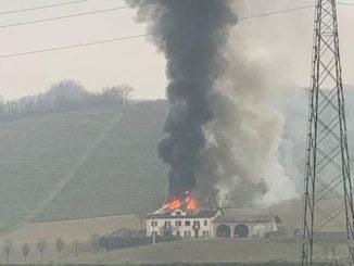 Incendio di una casa a Calamandrana nell'Astigiano