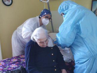 Margherita Bain, 105 anni di Castiglione Tinella, è stata vaccinata