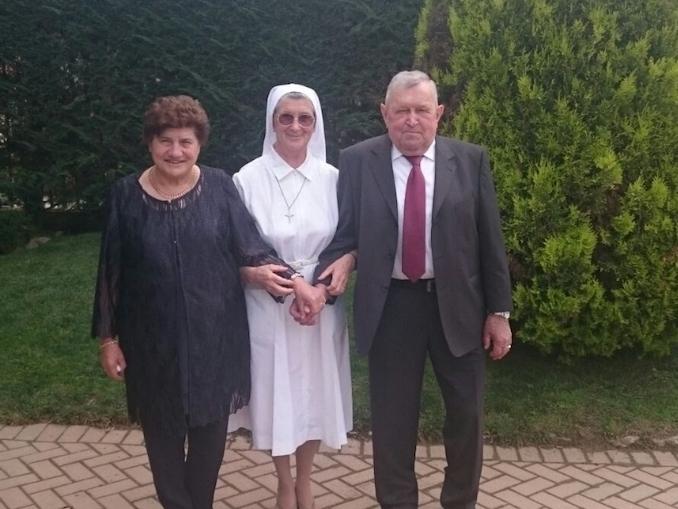 Suor Ernestina Ternavasio con il fratello GIovanni e la cognata Anna