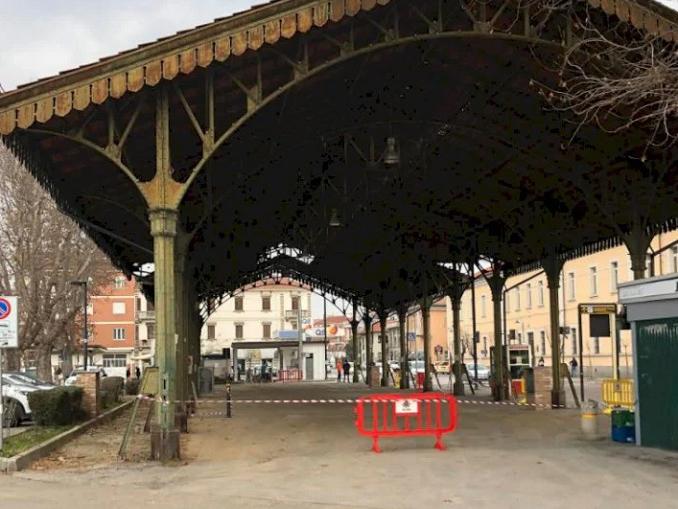 Tettoia di piazza Giolitti a Bra