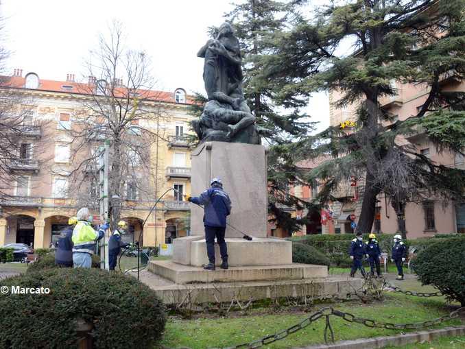 alba pulizia monumento caduti 08
