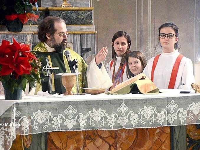 Anche le donne partecipano ai ministeri laicali in chiesa
