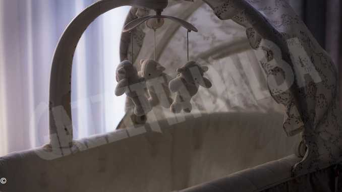 Narzole piange un neonato di 20 giorni morto in culla