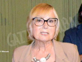 La minoranza albese presenta una mozione contro Elena Alessandria