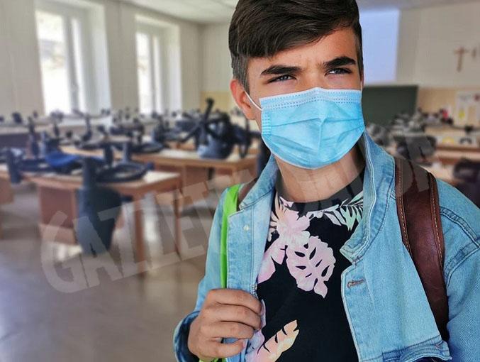 studente-mascherina-covid