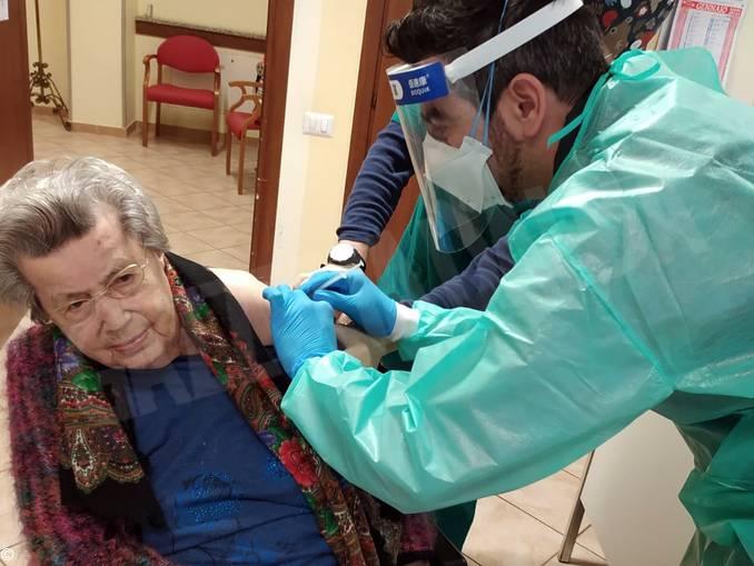 vaccinazione centenaria Farigliano