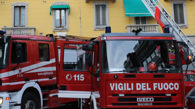 Cuneo: lastra di ghiaccio con pericolo di caduta da un tetto in via Roma