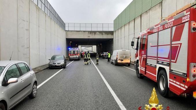A Beinette cinque auto coinvolte in un incidente 1