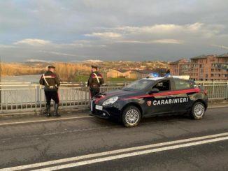 Alba: un ragazzo di 20 anni tenta il suicidio dal ponte sul Tanaro. Intervento provvidenziale dei Carabinieri.