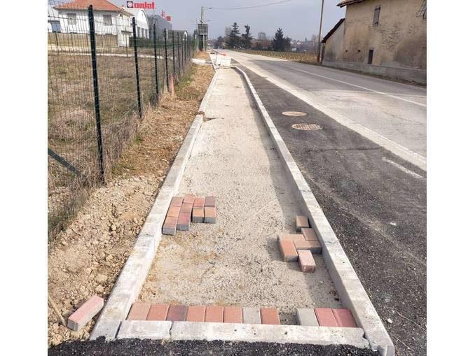 Ceresole: in via Carmagnola prosegue la realizzazione dei marciapiedi 1