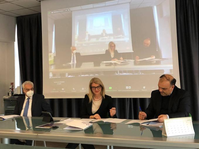 Conf stampa firma accordo Confindustria Cuneo-CIM40 (4)