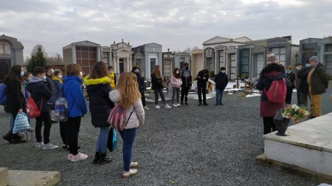 Giornata della Memoria: Biblioteca Civica e Centro Giovani ricordano la Shoah 3