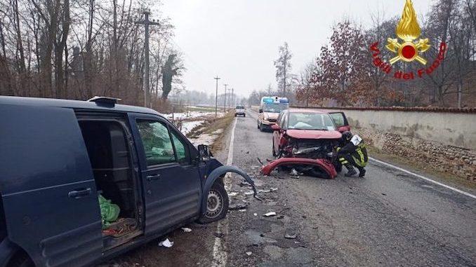 Morozzo: un'automobilista ferita in un incidente stradale