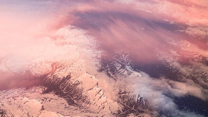 Vento dal Sahara, neve rosa sulle montagne del Piemonte