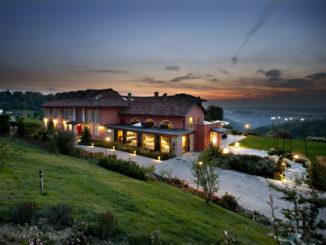 Nel cuore delle Langhe grandi novità al Relais Villa d'Amelia, dove il risorante DaMà passa alla guida dello Chef Dennis Cesco 1
